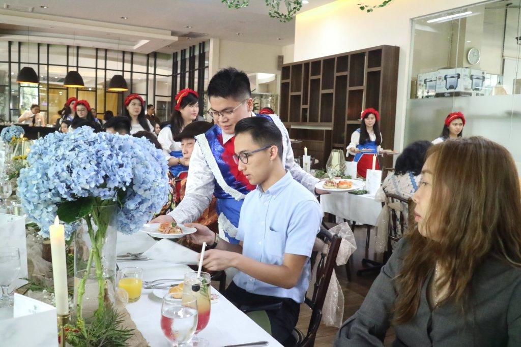 Fakultas Pariwisata UPH Gelar Gala Lunch untuk Tingkatkan Pengalaman Manajerial F&B