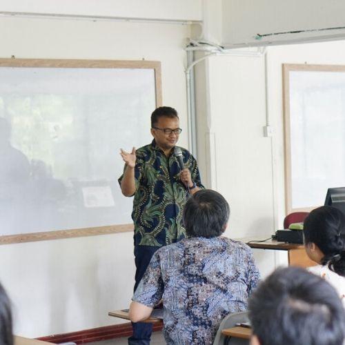 UPH Persiapkan Mahasiswa Hadapi Teknologi 5G di Indonesia