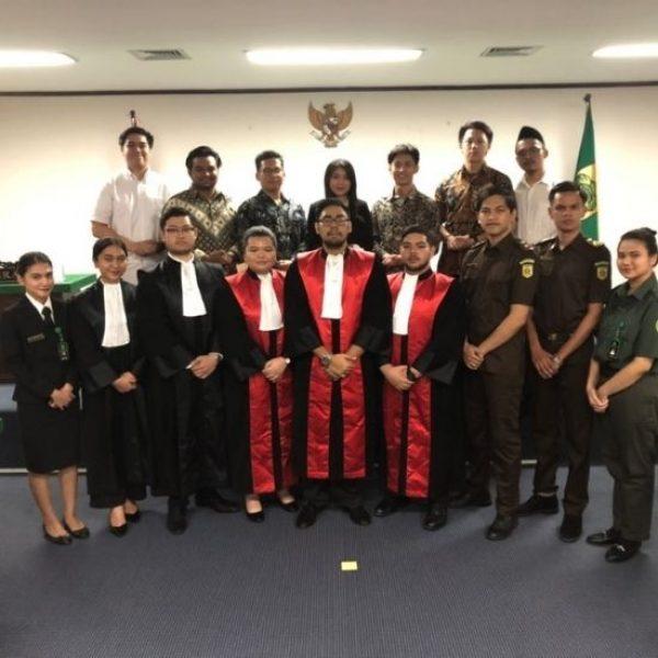 Mahasiswa Fakultas Hukum UPH Juara di National Moot Court Piala Frans Seda 2020