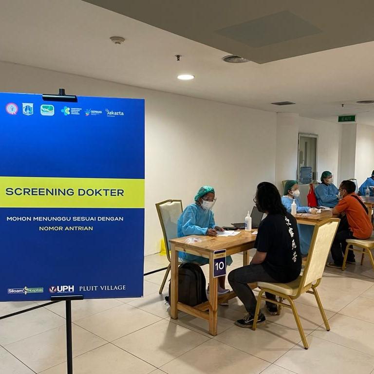 """UPH Mengadakan Sentra Vaksin Bagi Publik & Mahasiswa, untuk Mendukung Program """"Herd Immunity"""" Pemerintah"""