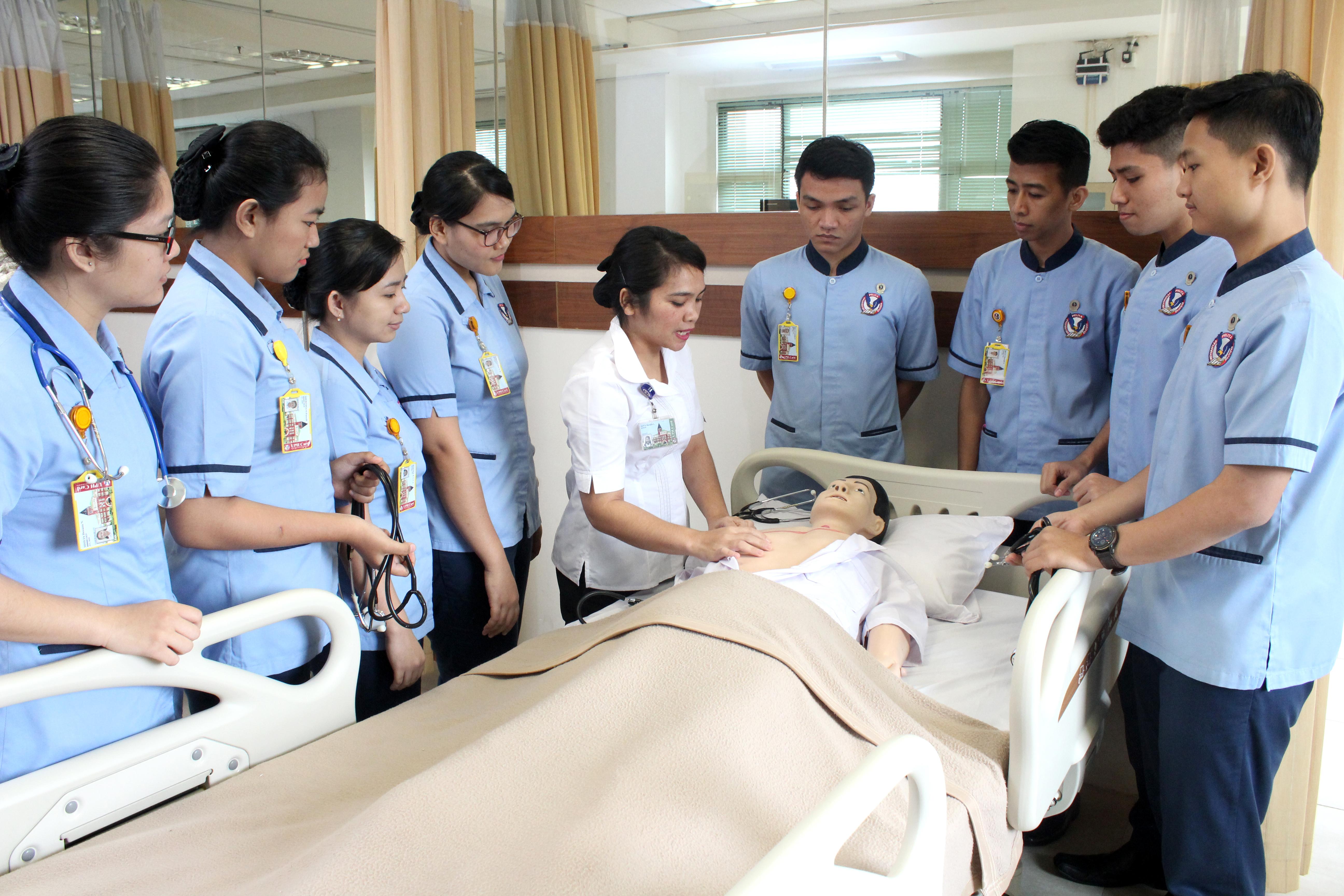 100% Lulus Uji Kompetensi Ners 2021 Kemendikbud,  Fakultas Keperawatan UPH Capai Tingkat Kelulusan Tertinggi